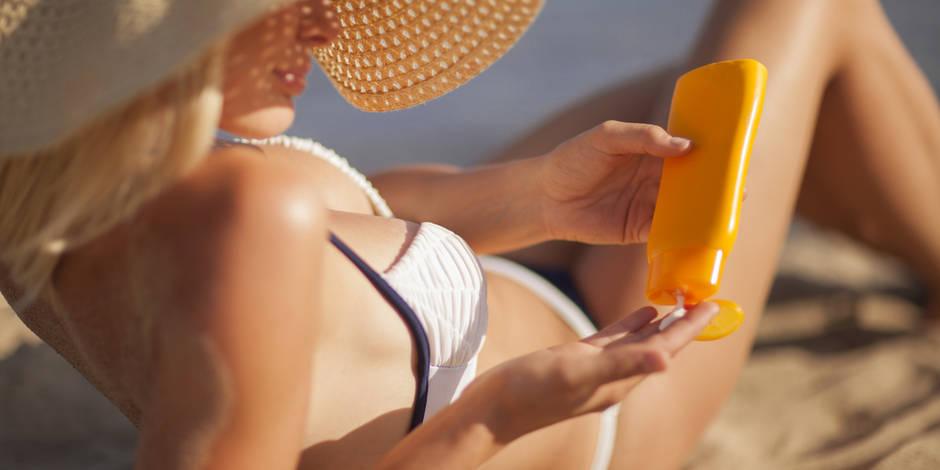 Il ne faut surtout pas oublier de protéger le visage du soleil, avec des textures et indices de protection adaptés.