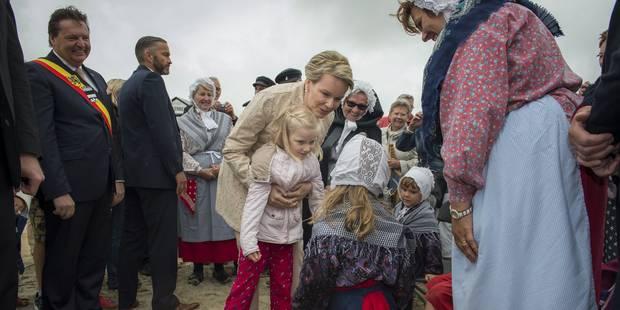 La reine Mathilde et la princesse Eléonore bénissent la mer (PHOTOS) - La Libre