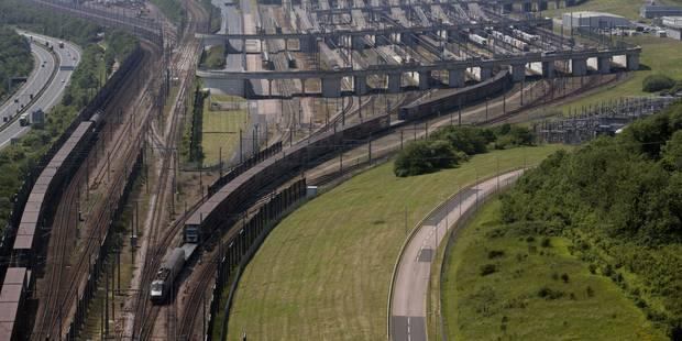 """Pagaille sous la Manche: six Eurostar bloqués à cause des """"intrus sur les voies"""" - La Libre"""