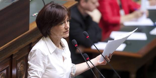 Demandes d'asile: Onkelinx invite les militants socialistes bruxellois à passer à l'action - La Libre