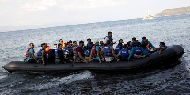 Grèce: à Lesbos, 20.000 réfugiés campent dans de sordides conditions - La Libre