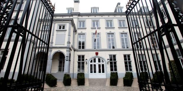 """Plan de sortie de crise après un """"putsch"""" au Cercle de Lorraine - La Libre"""