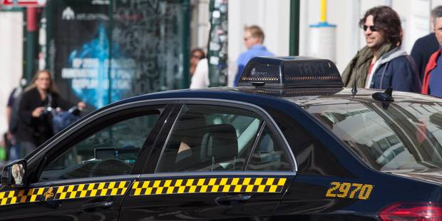 Violences contre Uber : de la prison ferme pour les taximen - La Libre