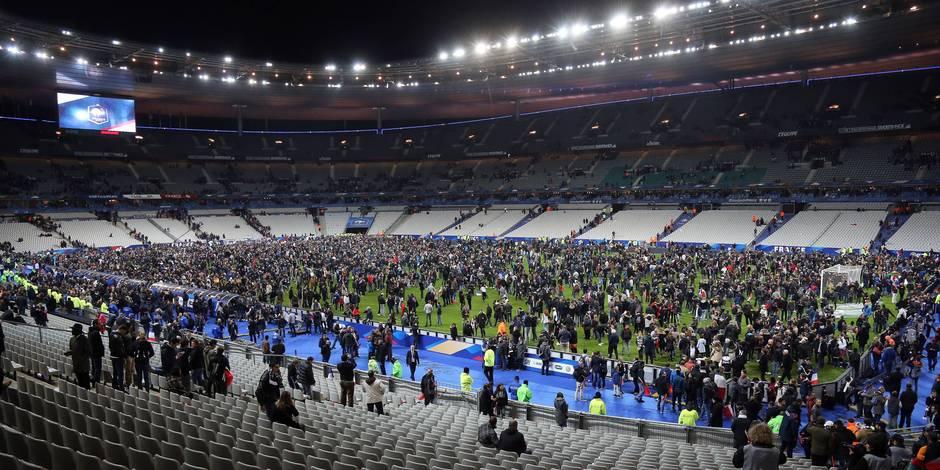Attentats à Paris: l'équipe d'Allemagne a passé la nuit au Stade de France et hésite à affronter les Pays-Bas