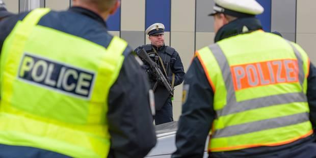 Attentats: 7 personnes arrêtées en Belgique, deux auteurs d'origine bruxelloise - La Libre