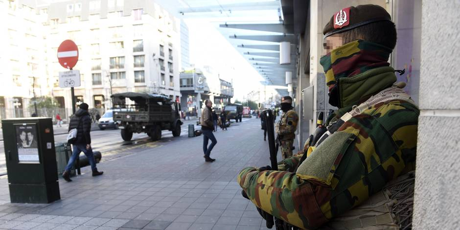Menace terroriste: les écoles et les crèches rouvrent mercredi, niveau d'alerte 4 maintenu à Bruxelles