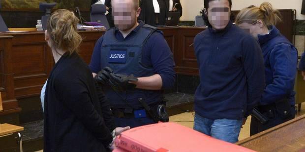 Procès terrorisme: 5 personnes condamnées à des peines de 3, 4 et 5 ans - La Libre