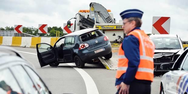 La signalisation des accidents sur autoroutes sera faite par les assureurs - La Libre