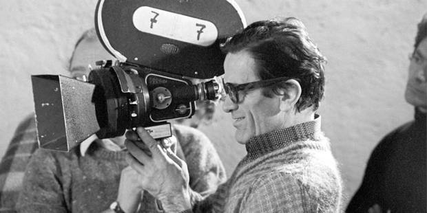 Film director, actor, criptwriter, dialogue writer (screen writer), autho and composer Pier Paolo Pasolini. Here, behind a camara during a shooting Reporters / Andia *** Local Caption ***