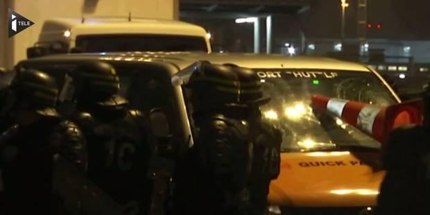Manifestations des taxis parisiens: une navette force un barrage et écrase un manifestant - La Libre