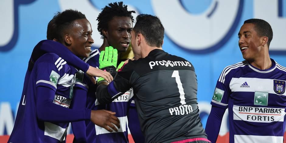 Anderlecht bat Saint-Trond sans briller (1-2)