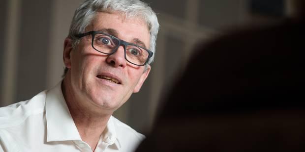 """Case de tête : """"Paul Furlan tue la commission spéciale du renouveau démocratique"""" - La Libre"""