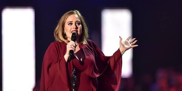 Brit Awards: Adele récompensée depuis l'espace, dans un hommage à Bowie - La Libre