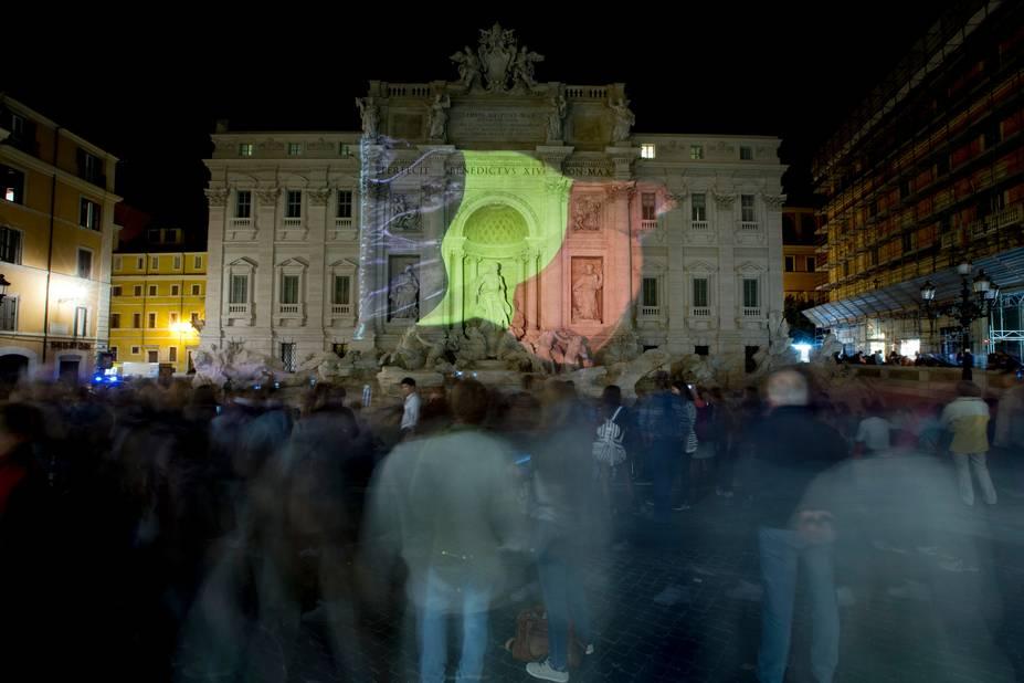 Rome, la fontaine de Trevi.
