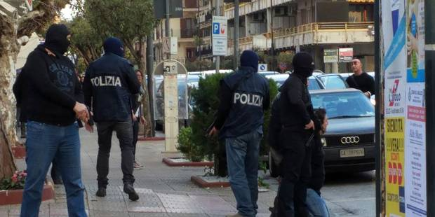Attentats de Bruxelles: le faussaire arrêté en Italie a confectionné les faux papiers à Saint-Gilles - La Libre