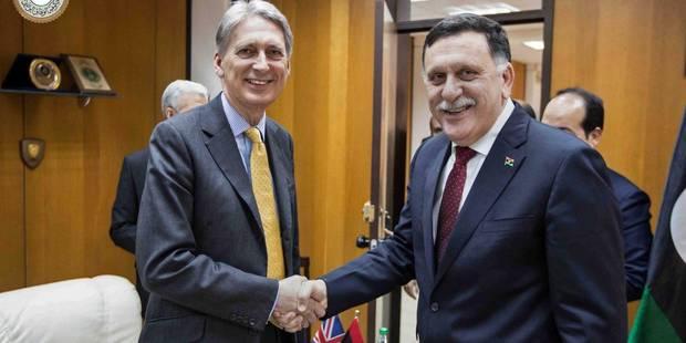 Les Européens reviennent à Tripoli pour soutenir le gouvernement libyen cantonné dans une base navale - La Libre