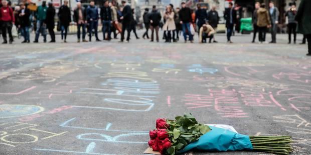 Attentats: 400 motards à Maelbeek et 200 personnes à la Bourse pour rendre hommage - La Libre
