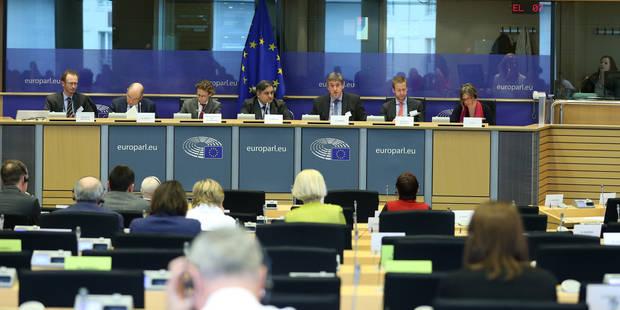Applaudissements pour Jan Jambon qui défend les musulmans belges au Parlement européen - La Libre