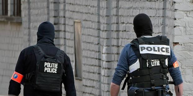 """Lettre ouverte de policiers musulmans à Jan Jambon: """"Non, on n'a pas dansé le 22 mars"""" - La Libre"""