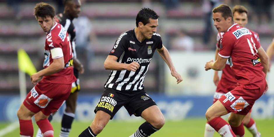 Finale aller des PO2: Charleroi s'impose in extremis face à Courtrai (1-0)