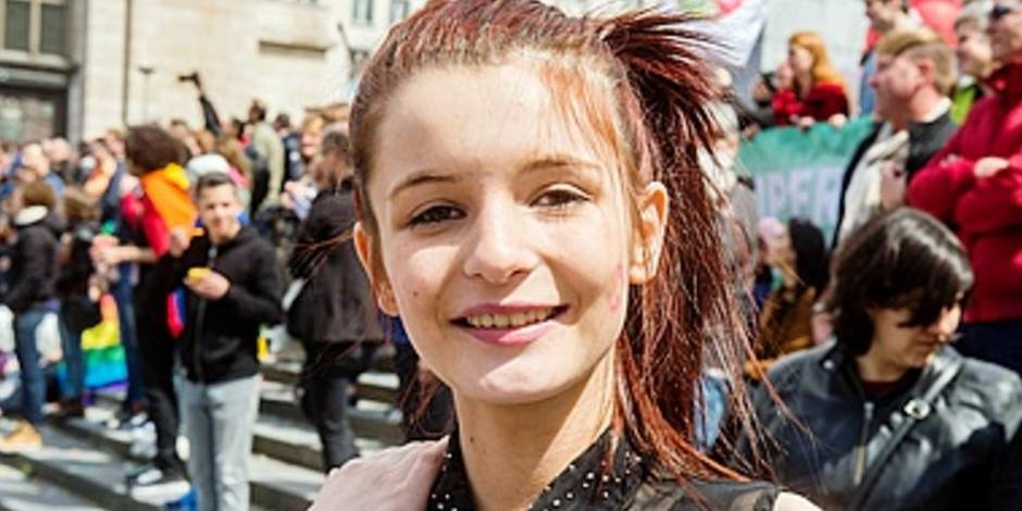 """Le témoignage terrifiant de Madison, victime d'homophobie: """"On a brûlé mes cheveux à l'école"""""""