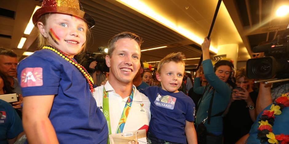 Retour triomphal à Brussels Airport pour le judoka Dirk Van Tichelt