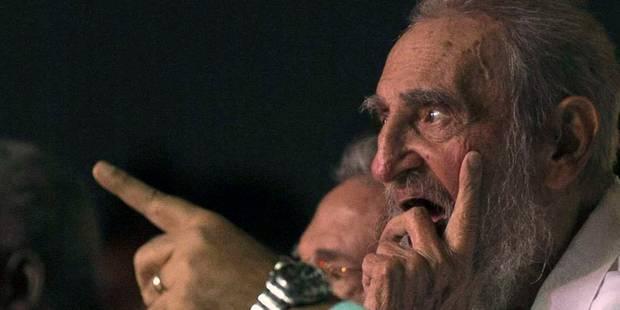 Fidel Castro réapparaît en public pour son 90e anniversaire - La Libre