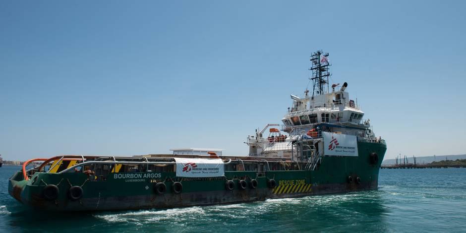 Un bateau de MSF participant au sauvetage de migrants attaqué au large de la Libye