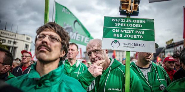 """Soutien aux travailleurs de Caterpillar: """"Nous n'allons pas accepter cette décision de fermeture"""" - La Libre"""