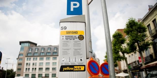Arrêts de travail dans 15 écoles uccloises contre le prix des cartes de stationnement - La Libre