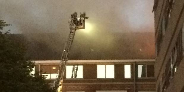 Gros incendie à l'hôpital de Warquignies, 5 étages évacués (VIDEO) - La Libre