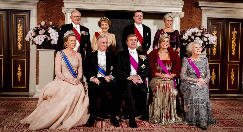 La photo officielle avec un roi Philippe... un peu avachi !