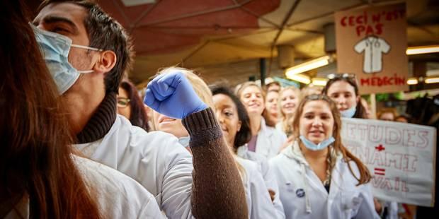 Le MR a lâché les étudiants en médecine, Olivier Chastel adresse une lettre aux étudiants - La Libre