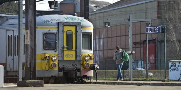 """Un enfant """"de 4 ans"""" signalé le long des voies ferrées entre Manage et Luttre - La Libre"""