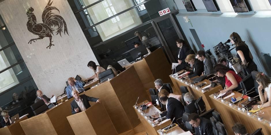 """""""La mafia wallonne"""", titre De Morgen à propos du scandale Publifin"""