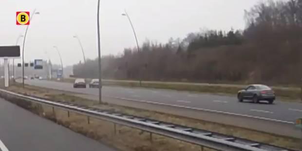 Un chauffard pousse délibérément une autre voiture dans le fossé (VIDÉO) - La Libre