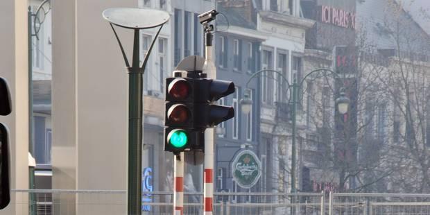Les feux de signalisation ne sont pas prêt de disparaître en Belgique - La Libre