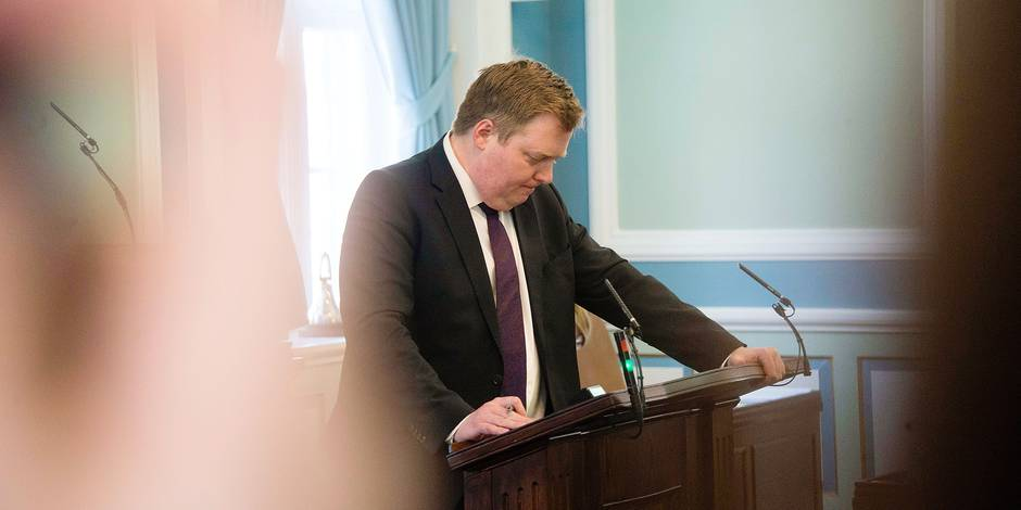 """Iceland's Prime Minister Sigmundur David Gunnlaugsson addresses a session of parliament in Reykjavik, Iceland on April 4, 2016. Iceland's prime minister faced calls to resign after leaked """"Panama Papers"""" tax documents showed he and his wife used an offshore firm to allegedly hide million-dollar investments. / AFP PHOTO / HALLDOR KOLBEINS"""