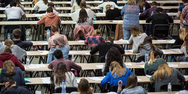 Instauration de l'examen d'entrée en FWB: les étudiants en médecine dénoncent un chantage - La Libre