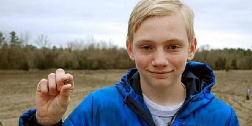 Un ado de 14 ans trouve un diamant de 7,44 carats en se promenant