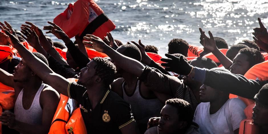 """Méditerranée: Des centaines de """"réfugiés ont été secourus sur des canots pneumatiques et des embarcations en bois"""""""