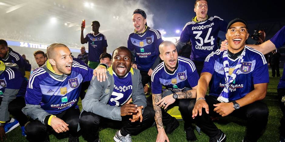 Anderlecht's Sofiane Hanni, Anderlecht's Frank Acheampong, Anderlecht's goalkeeper Ruben Martinez and Anderlecht's Youri Tielemans celebrate as players are back from Charleroi and celebrate with supporters in the Constant Vanden Stock stadium after Anderlecht won 1-3 the Jupiler Pro League match between Sporting Charleroi and Anderlecht, Brussels, in the night on Friday 19 May 2017, on day 9 (out of 10) of the Play-off 1 of the Belgian soccer championship. Anderlecht won 1-3 and is the champion of the season. The club won its 34th Belgian title. BELGA PHOTO LAURIE DIEFFEMBACQ