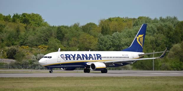200 passagers de Ryanair bloqués dix heures à Saint-Etienne par une panne - La Libre