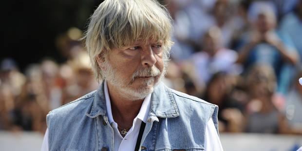 Renaud divise le public de Nîmes à cause de son nouveau tatouage militant - La Libre