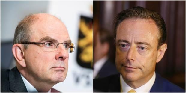 Evasion de deux détenus à Anvers: De Wever et Geens se renvoient la balle de la responsabilité - La Libre
