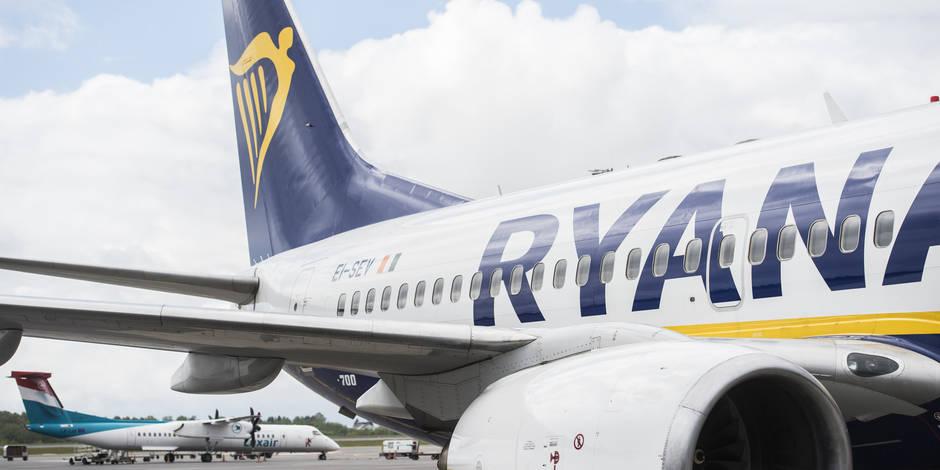 """Un avion Ryanair coincé en plein soleil à Rome: """"Aucune eau n'a été distribuée"""""""