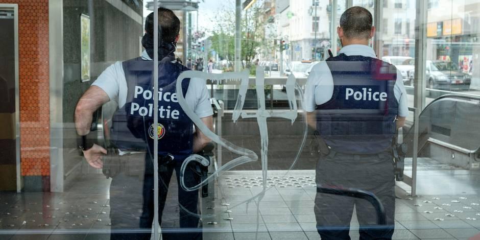 Grosse frayeur à Bruxelles: une voiture s'engage sur le piétonnier et percute deux piétons