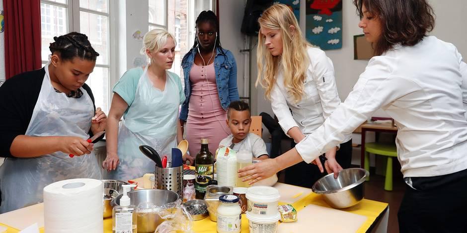 Photos Bernard Demoulin: Le RECHO . Des francaises donnent cours de cuisine au petit chateau a Bruxelles