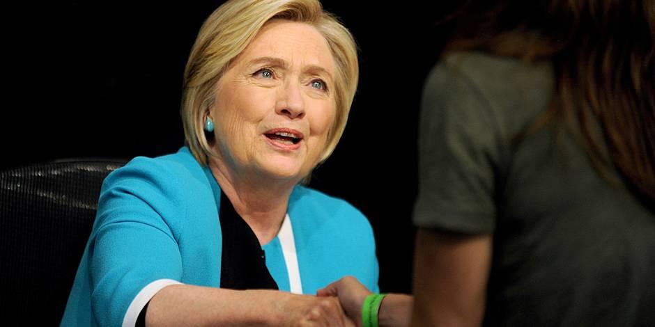 """Hillary Clinton se confie: """"J'ai ressenti un énorme sentiment d'abandon"""" - La Libre"""
