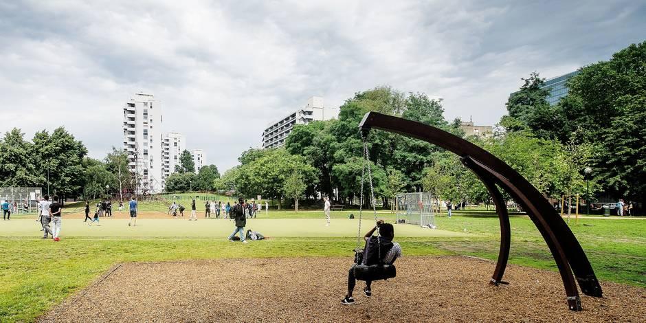 Bruxelles - Parc Maximilien: Des réfugiés majoritairement erythreens et soudanais logent dans le parc maximilien de Bruxelles. Des volontaires et bénévoles de l'organisation Serve the city leur viennent pour l'instant en aide